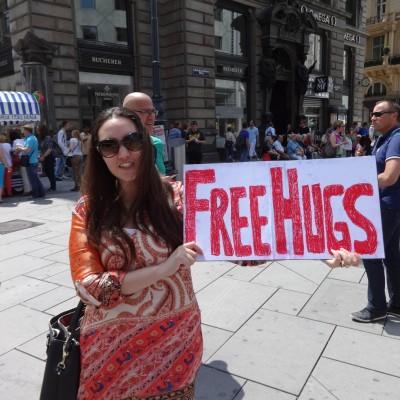 Free Hugs Vienna 08 June 2013 001