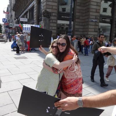 Free Hugs Vienna 08 June 2013 004