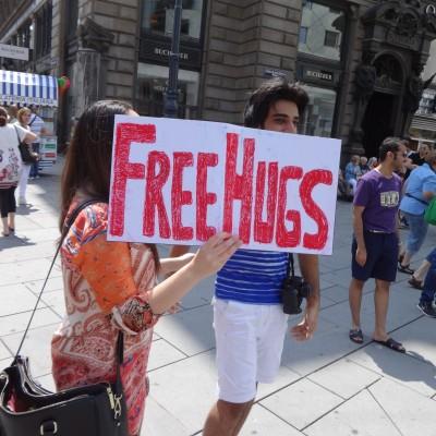 Free Hugs Vienna 08 June 2013 006