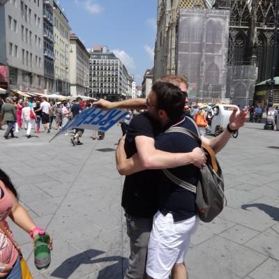 Free Hugs Vienna 08 June 2013 011