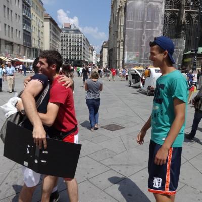 Free Hugs Vienna 08 June 2013 020