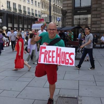 Free Hugs Vienna 08 June 2013 039