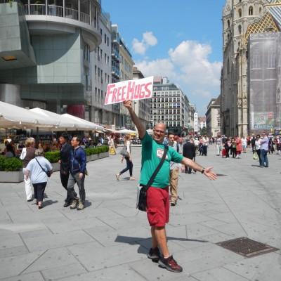 Free Hugs Vienna 08 June 2013 045