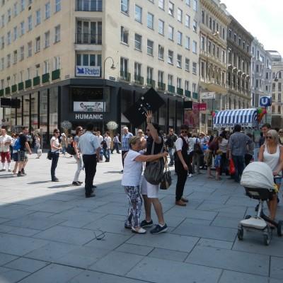 Free Hugs Vienna 08 June 2013 046