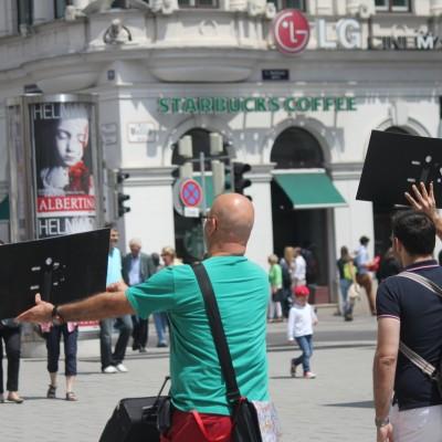 Free Hugs Vienna 08 June 2013 052