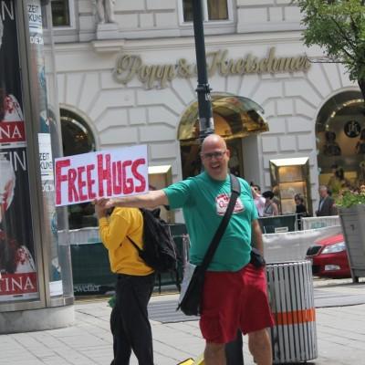 Free Hugs Vienna 08 June 2013 053
