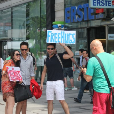 Free Hugs Vienna 08 June 2013 065