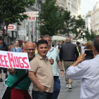 Free Hugs Vienna 08 June 2013 070