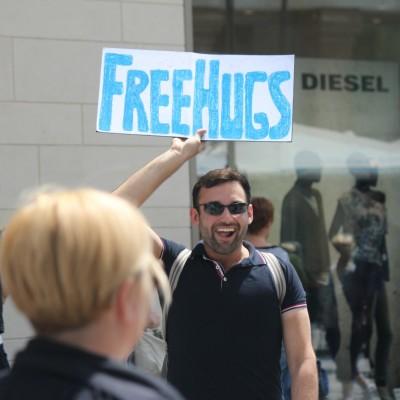 Free Hugs Vienna 08 June 2013 081