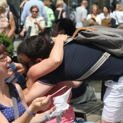 Free Hugs Vienna 08 June 2013 082