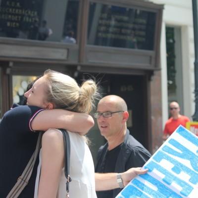 Free Hugs Vienna 08 June 2013 087