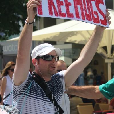 Free Hugs Vienna 08 June 2013 094