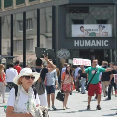 Free Hugs Vienna 08 June 2013 102