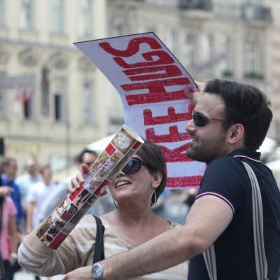 Free Hugs Vienna 08 June 2013 205