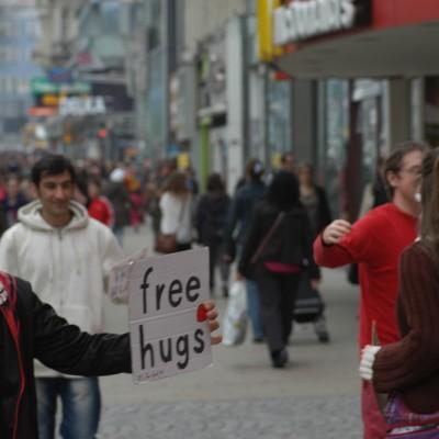 Free Hugs Vienna 20 April 2013 010