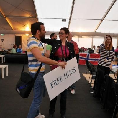 Free Hugs Vienna 03 May 2014 003