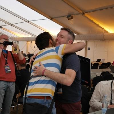 Free Hugs Vienna 03 May 2014 021