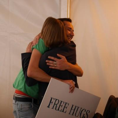 Free Hugs Vienna 03 May 2014 032