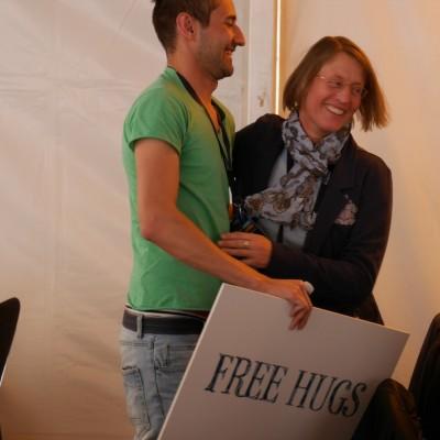 Free Hugs Vienna 03 May 2014 033