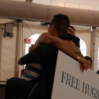 Free Hugs Vienna 03 May 2014 044
