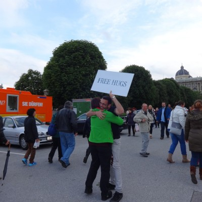 Free Hugs Vienna 18 May 2014 001
