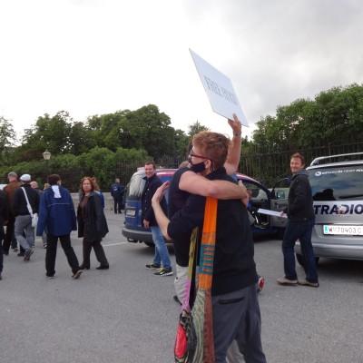 Free Hugs Vienna 18 May 2014 007