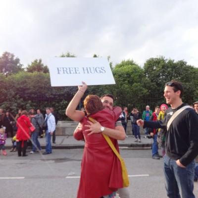 Free Hugs Vienna 18 May 2014 013