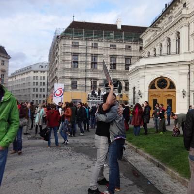 Free Hugs Vienna 18 May 2014 017