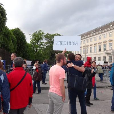 Free Hugs Vienna 18 May 2014 024
