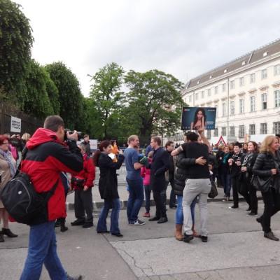Free Hugs Vienna 18 May 2014 026