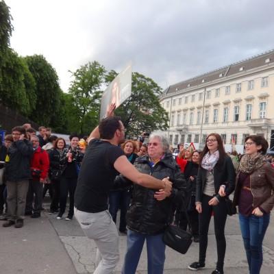 Free Hugs Vienna 18 May 2014 029