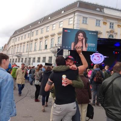 Free Hugs Vienna 18 May 2014 032