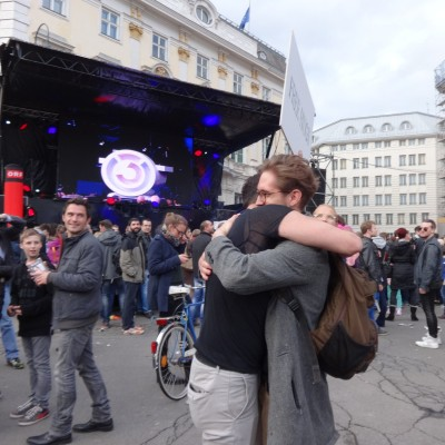 Free Hugs Vienna 18 May 2014 033
