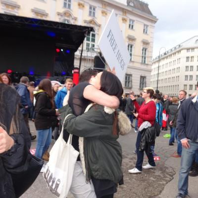 Free Hugs Vienna 18 May 2014 036