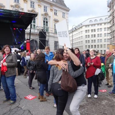 Free Hugs Vienna 18 May 2014 037