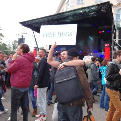 Free Hugs Vienna 18 May 2014 038