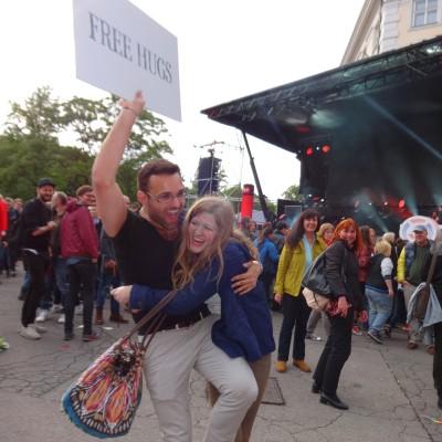 Free Hugs Vienna 18 May 2014 043