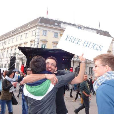 Free Hugs Vienna 18 May 2014 052