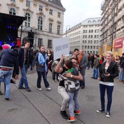 Free Hugs Vienna 18 May 2014 053