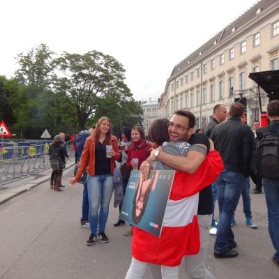 Free Hugs Vienna 18 May 2014 054