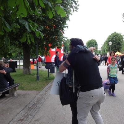 Free Hugs Vienna 18 May 2014 055