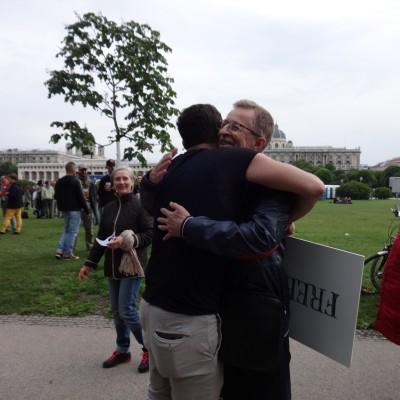 Free Hugs Vienna 18 May 2014 057