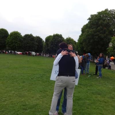 Free Hugs Vienna 18 May 2014 060