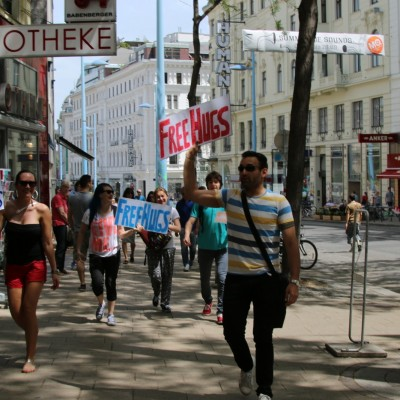 Free Hugs Vienna 24 May 2014 023