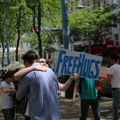 Free Hugs Vienna 24 May 2014 024