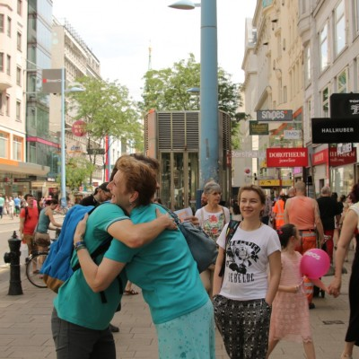Free Hugs Vienna 24 May 2014 069