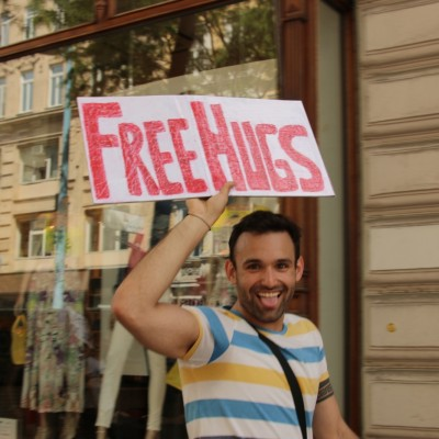 Free Hugs Vienna 24 May 2014 099