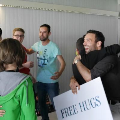 Free Hugs Vienna 28 April 2014 053