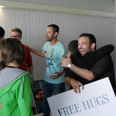 Free Hugs Vienna 28 April 2014 054