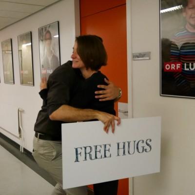 Free Hugs Vienna 28 April 2014 074